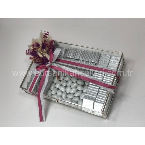 Cam Çerçeveli Kutuda İsteme Çikolatası